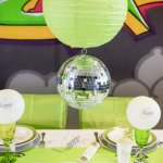 mini3-boule-verre-disco-facettes-tenture-plastique-brillant-mat-serviette-disco-theme-fete-ceremonie-table-decoration-4.jpg