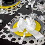 mini3-serviette-papier-jetable-pois-fete-table-1.jpg