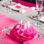 mini3-fete-ceremonie-decoration-salle-table-couleurs-originale-boules-26.jpg